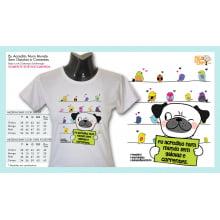 Camiseta com Desenho Por Um Mundo Sem Gaiolas e Correntes