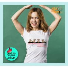 Camiseta com Desenho de Cachorro Pug Feliz